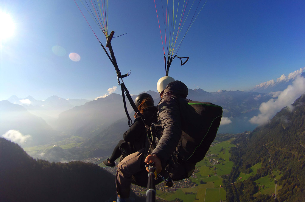 paragliding in interlaken, paragliding interlaken, paragliding in switzerland, paragliding switzerland