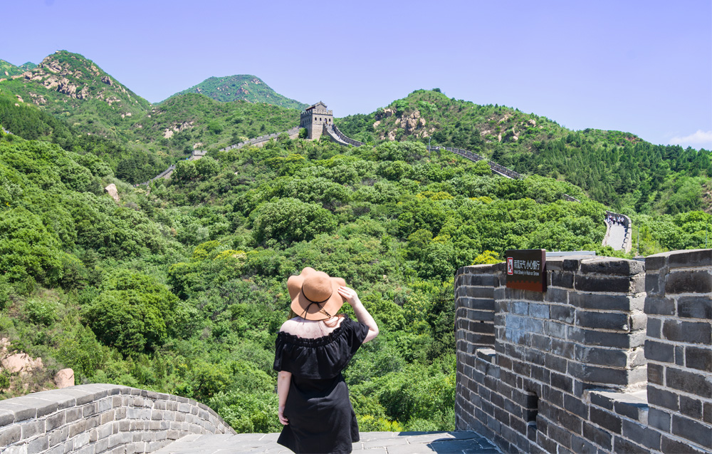 """girl at great wall of china"", ""Chinese traditional medicine in beijing"""